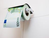 Papel higiénico del euro 100 Imágenes de archivo libres de regalías