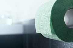 Papel higiénico verde imagens de stock