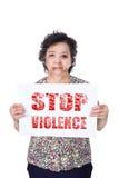 Papel mayor de la violencia de la parada de la tenencia del abuso o del maltratamiento de la anciano Imagen de archivo