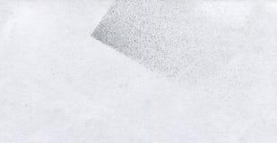 Papel pintado con efecto del aerógrafo Textura negra del movimiento de la pintura acrílica en el Libro Blanco Arte dispersado del Foto de archivo libre de regalías
