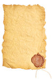 Papel velho com um selo da cera imagens de stock