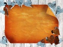 Papel velho no fundo de madeira com corações de vidro azuis Fotos de Stock