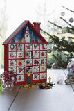 Papel y accesorios de embalaje para la Navidad Fotos de archivo libres de regalías