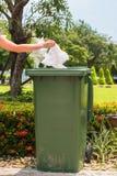 Papelera de reciclaje verde Imagen de archivo
