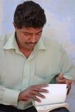 Papeles de comprobación hechos indios Foto de archivo
