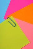 Papeles de nota del color foto de archivo