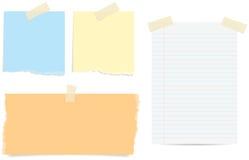 Papeles de nota rasgados Imagen de archivo