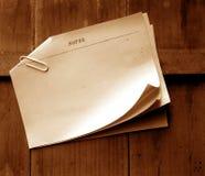 Papeles de nota viejos Imagenes de archivo