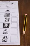 Papeleta electoral y lápiz BRITÁNICOS Imagen de archivo libre de regalías