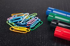 Paper clips and markers Royalty Free Stock Photography