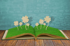 Paper cut of Four leaf clover Royalty Free Stock Photo