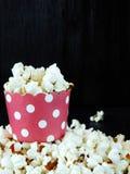 paper popcorn för kopp Arkivfoton