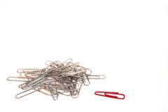 έννοια περίεργη paperclip έξω Στοκ Φωτογραφίες