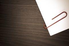 paperclip en Witboek Stock Foto