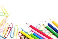 paperclips barwioni ołówki Zdjęcie Royalty Free