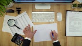 paperwork Biznesmen Pracuje Z dokumentu mieszkaniem Lay zbiory
