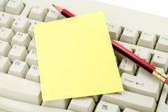 Papier à lettres et clavier colorés Image stock