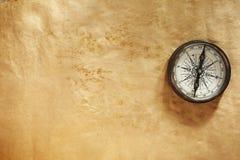 Papier avec le compas photos stock