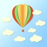 Papier-baloon im Himmel Lizenzfreie Stockbilder