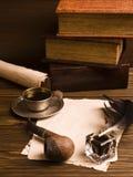 Papier blanc et cuvette de café, de cannette et d'encre Image libre de droits