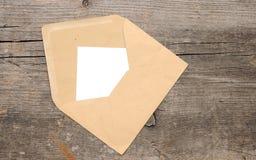 Papier blanc et enveloppe photos libres de droits