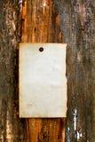 Papier blanc sur le fond en bois photos stock
