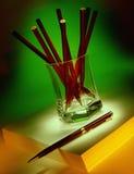 Papier - Bleistifte und Stift Stockfotografie