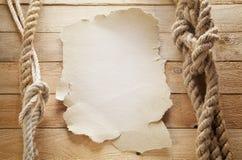 Papier an Bord eines Schiffs Stockfotos