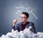 Papier chiffonné ci-dessus d'homme d'affaires Photographie stock libre de droits