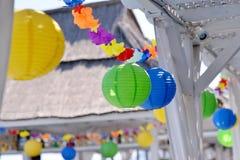 Papier coloré et ballons Image libre de droits