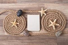 Papier, corde, étoile de mer, pierres de mer Images stock