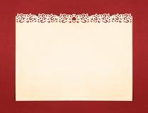 Papier crème avec le cadre de fantaisie fabriqué à la main de découpage Photo stock