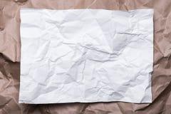 Papier crème chiffonné de métier comme un cadre, et livre blanc, texture de fond photo libre de droits