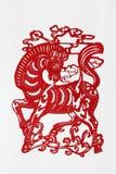 Papier-découpage chinois de zodiaque (cheval) Photographie stock libre de droits