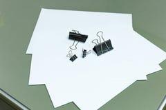 Papier d'agrafe opérationnel Photographie stock