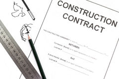 Papier de contrat de construction photographie stock libre de droits