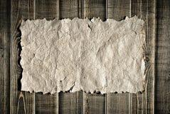 Papier de cru sur la texture en bois Images libres de droits