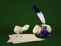Papier de lettre vide avec le stylo de cannette et l'encrier encastré Photos stock