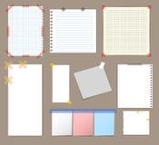 Papier de note vide avec l'ensemble sur bande coloré collant Vecteur Photos stock