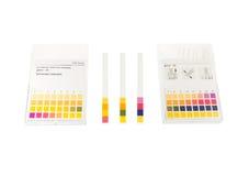 Papier de pH avec des valeurs du pH Images stock