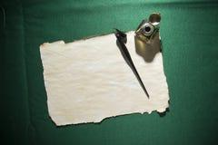 Papier, dutka i inkwell, obraz stock