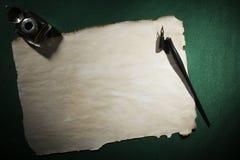 Papier, dutka i inkwell, obrazy stock