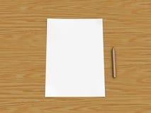Papier et crayon sur la table en bois Image libre de droits