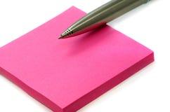 Papier für Sätze und eine Feder Stockbilder