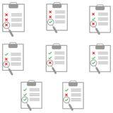 Papier gris sur le comprimé avec l'icône remplissante de forme différente Images stock