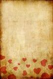 Papier grunge de cru avec le coeur rouge Photo stock
