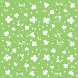 Papier peint vert de Joyeux Noël avec des anges, des étoiles et le modèle de Noël : arbres blancs, anges, traîneaux et étoiles Photographie stock libre de droits