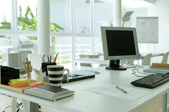 Papier sur le bureau Image libre de droits