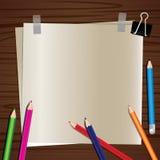 Papier sur un fond en bois Photos libres de droits
