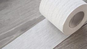 Papier toaletowy zamknięty w górę, wolny mo zbiory wideo